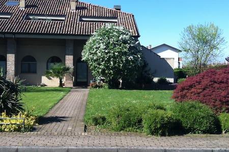 Corte ristrutturata vicino città - San Bonico - Piacenza - Casa