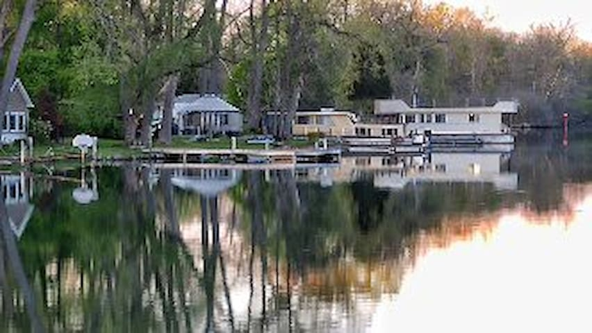 House on the Erie Canalway