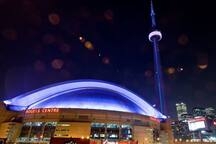 CN Tower and Rogers Centre - food steps away!