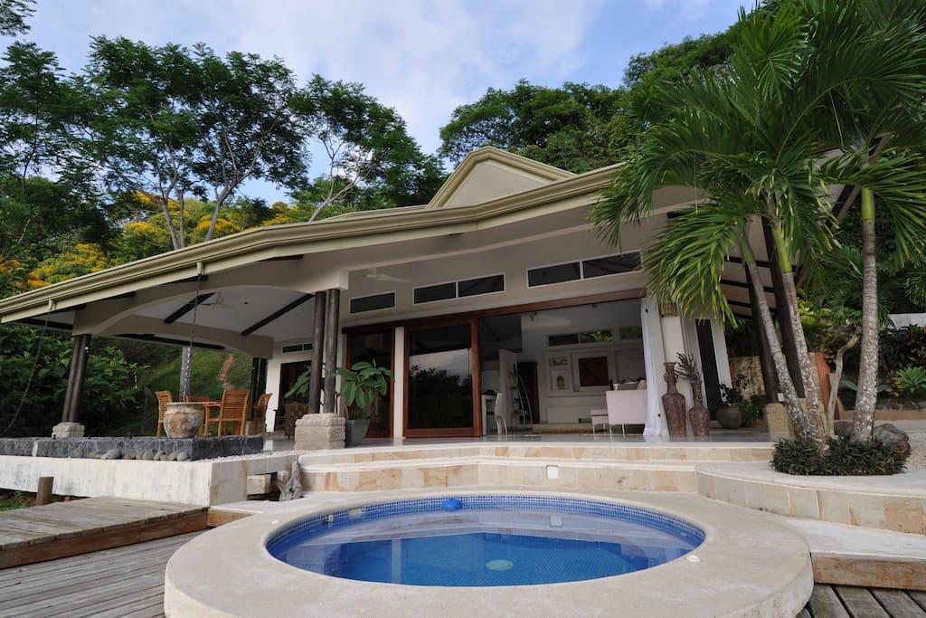 Casa mar y canto pacific ocean rain forest retreat case for Case affitto costa rica