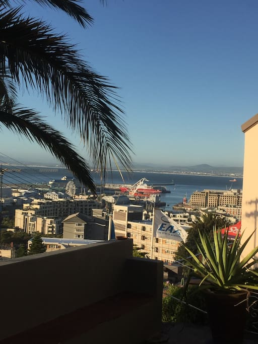 CENTRAL POSITION WITH VIEWS OVER THE WATERFRONT AND TABLE BAY