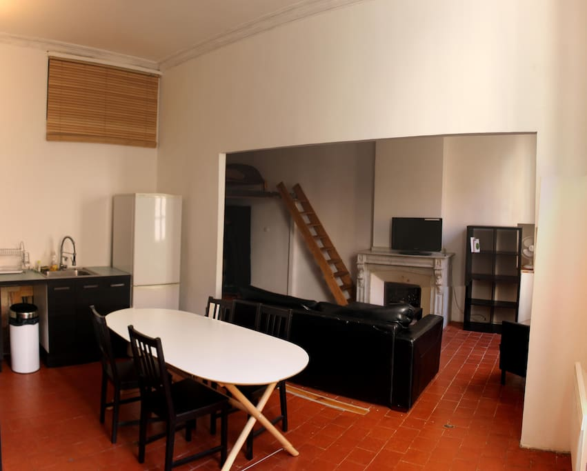 studio loft centre ville appartements louer narbonne. Black Bedroom Furniture Sets. Home Design Ideas