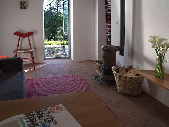 Iris d'Arga Designer Retreat Cozy Apartment