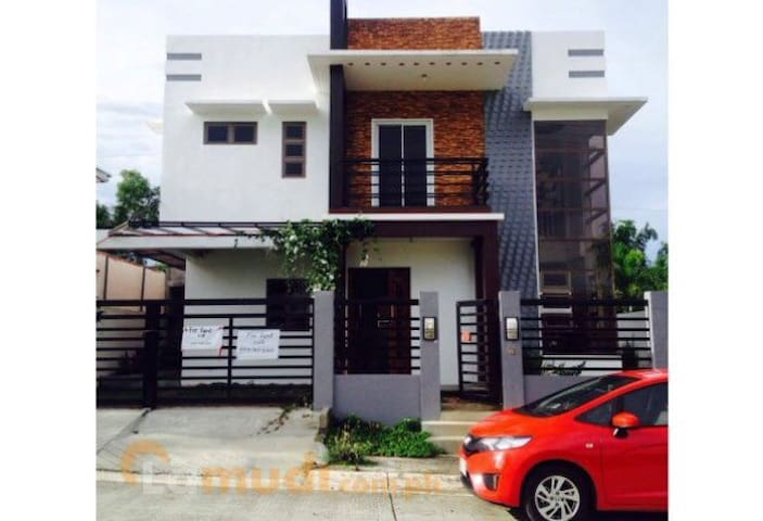 Lucky house Silang- Tagaytay 3BR - Silang - Maison