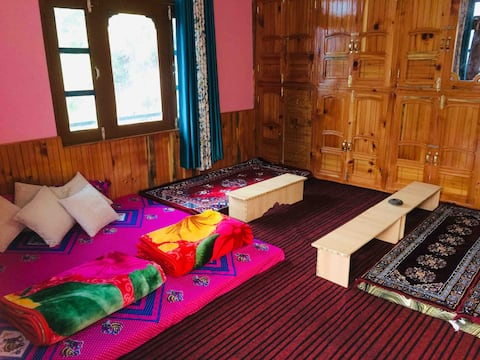 Rupender home stay In the village of Lapas (Kasol)