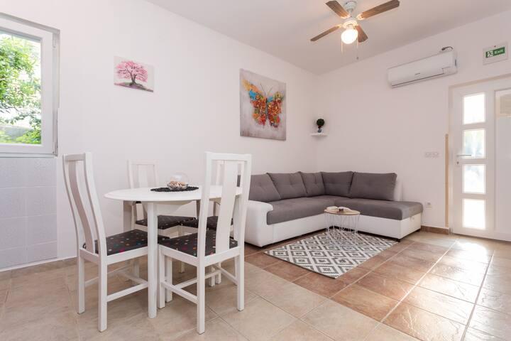 Lara apartment near the beach,Vrbnik- Island Krk