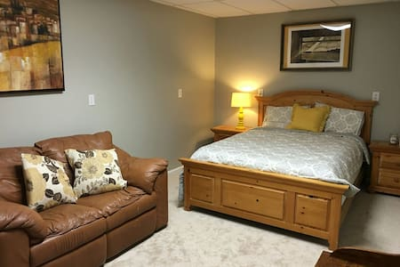 Walking Distance to Downtown Greer! - Greer - Haus