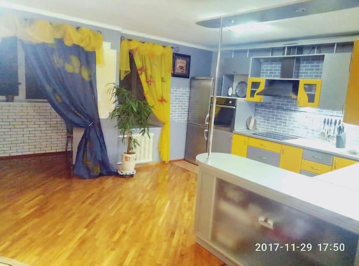 3комн Квартира студия 90 кв.метр с видом на Днепр!