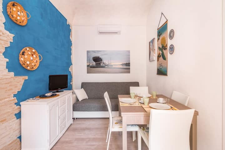 Teti - In the city centre and 100m by the sea