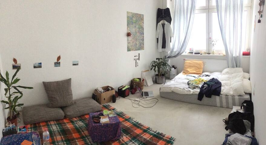 Room in a shared flat in the heart of Kreuzberg