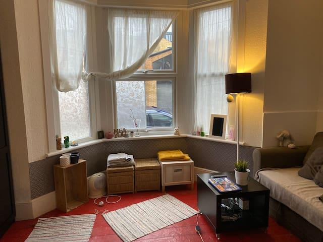 Hackney !!! Nice and cosy studio flat 👍🏻