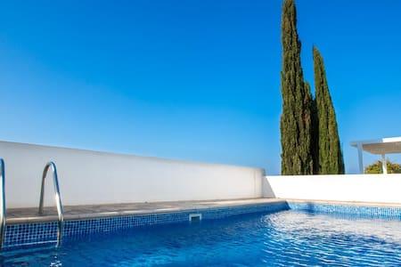 Sea View Villa - 帕拉利米尼 - 别墅