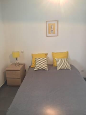 Chambre 2  équipée d'un lit double 160 (Queen Size)