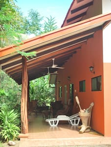 COZY RAIN FOREST FARM HOUSE - Puerto Jiménez - 独立屋