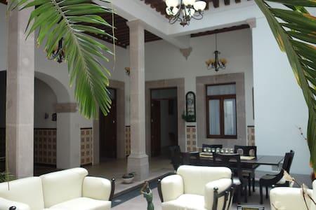 Casa colonial en centro histórico