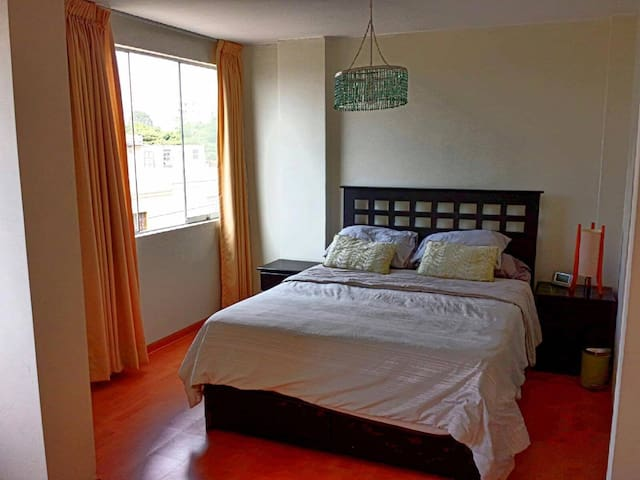 Private Master Bed/BATH Close to LIMA INTL AIRPORT - Pueblo Libre - Apartamento