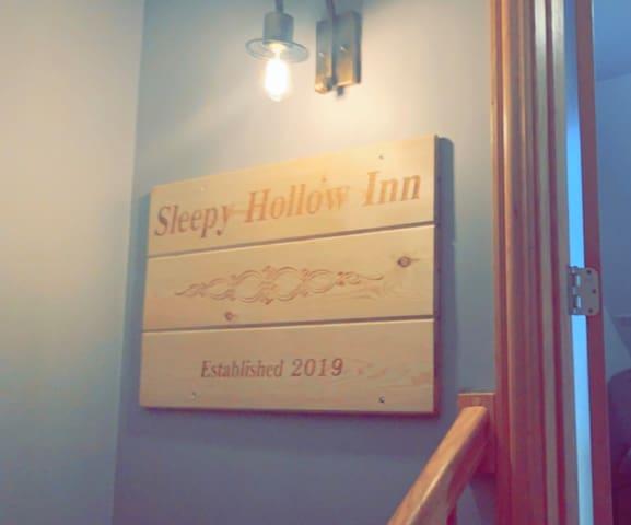 Sleepy Hollow Inn - Master Suite