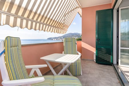 Apartment for 4 people to 150 m - Cogoleto