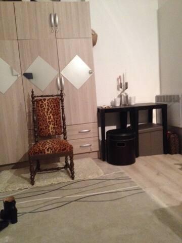 Studio  2 personnes, quartier Pigalle/Montmartre - París - Apartamento