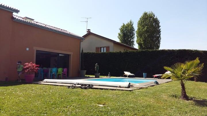 agréable maison climatisée avec piscine chauffée