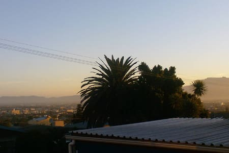 Fully equip  open plan flatlet - Cape Town