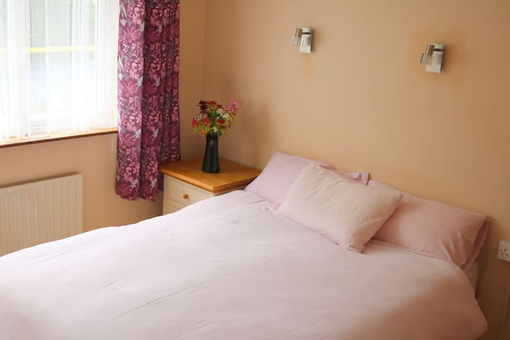 Double Ensuite in Listowel (other rooms available)