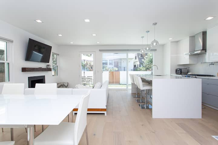 Modern Venice Beach Home-Only 50 Meters from Beach