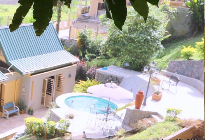 Private Suite In Modern Garden Home