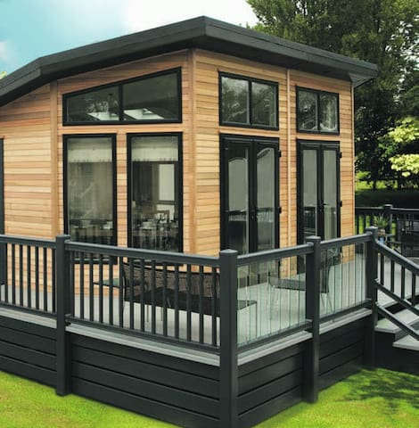2 Bedroom Signature Lodge at Norfolk Park - North Walsham - Almhütte