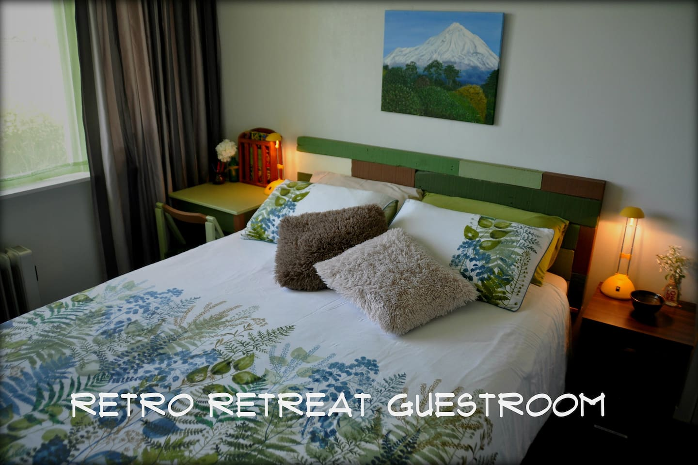 Guest Room with Queen Bed, Comfy Duvet and Electric Blanket