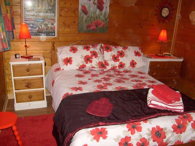 The Cabin La Paumerie Cerlsy la Foret 50680 Manche