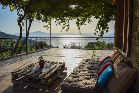 Stone residence/ Amazing seaview 1km to the beach
