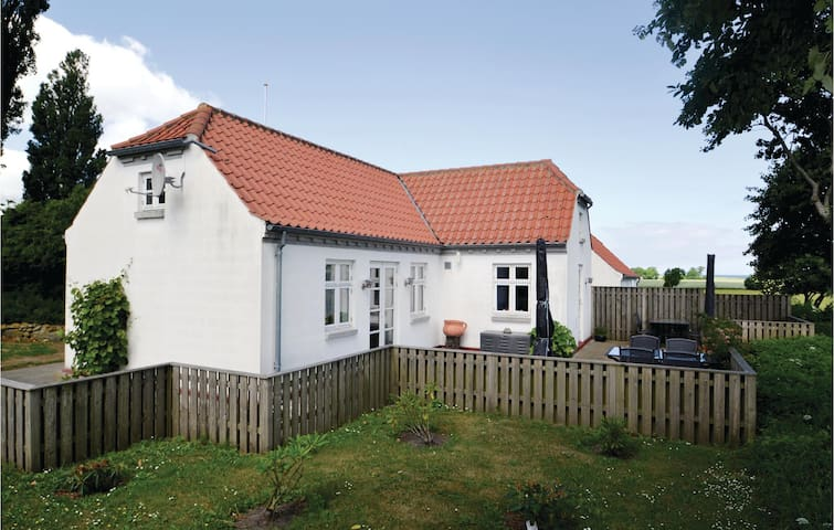 Former farm house with 2 bedrooms on 110m² in Grenaa