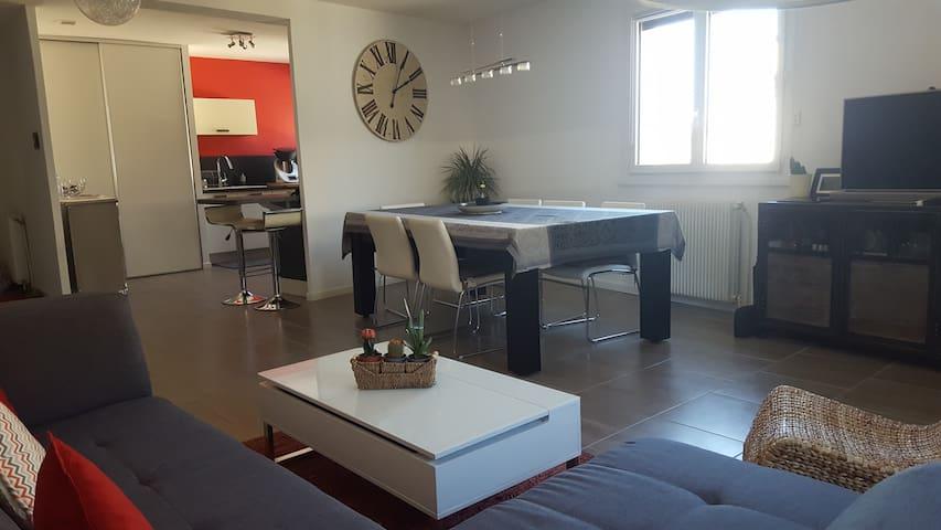 Chambre dans appartement sympa Blagnac Centre - Blagnac - Bed & Breakfast