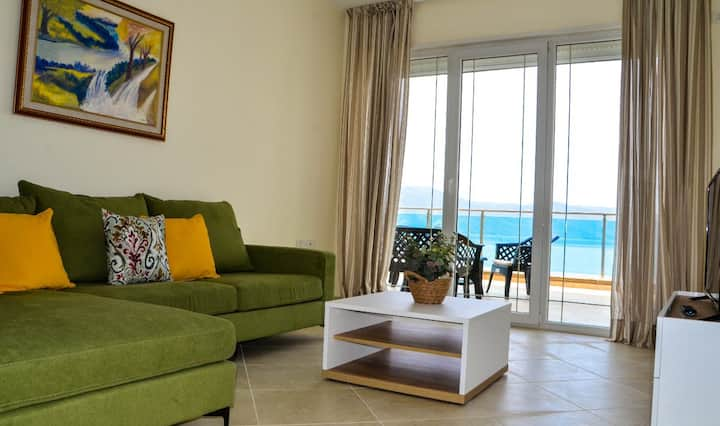 Large balcony apartment with sea&sunset view(A3)