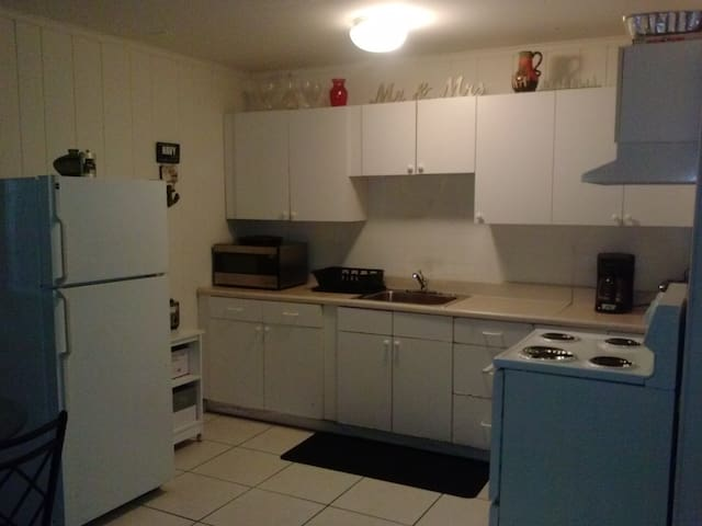 NEW TOWN ENTIRE APARTMENT - Key West - Apartamento