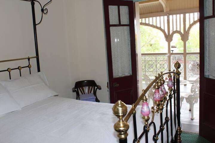 Center of Warwick. Criterion Hotel. Verhanda rooms - Warwick - Annat