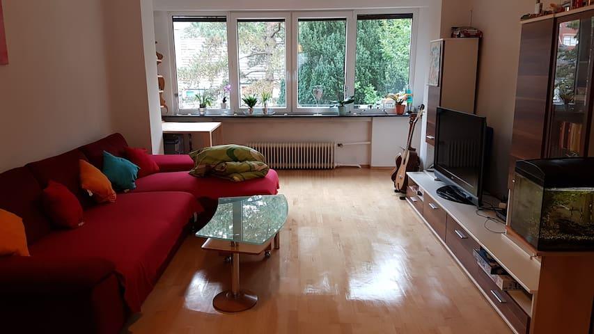 Schlafsofa im Wohnzimmer+TV+WLAN - Wuppertal - Haus