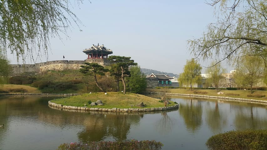 The place where King Jeongjo felt the king 500 yea - 수원시 - House