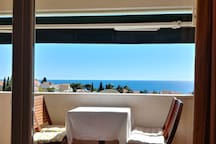 Sea view balcony apt. with parking