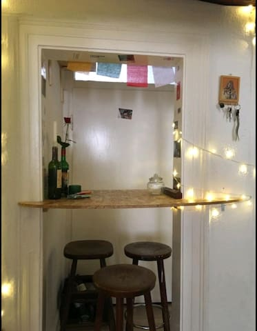 Small and cozy room directly in the center!