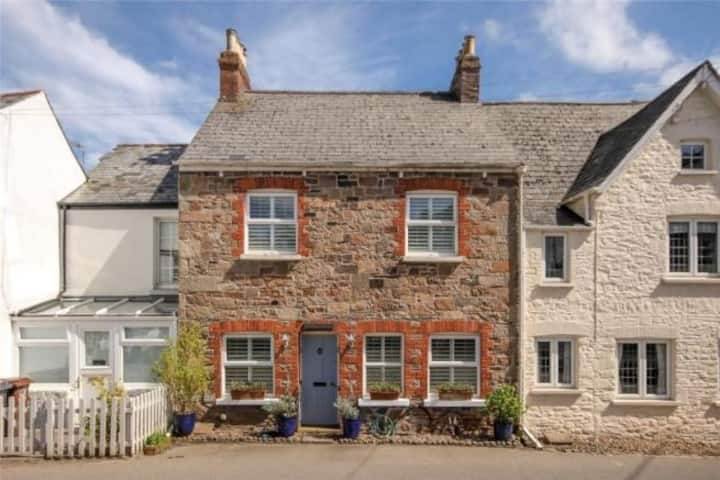 Delightful cottage situated in the South Hams