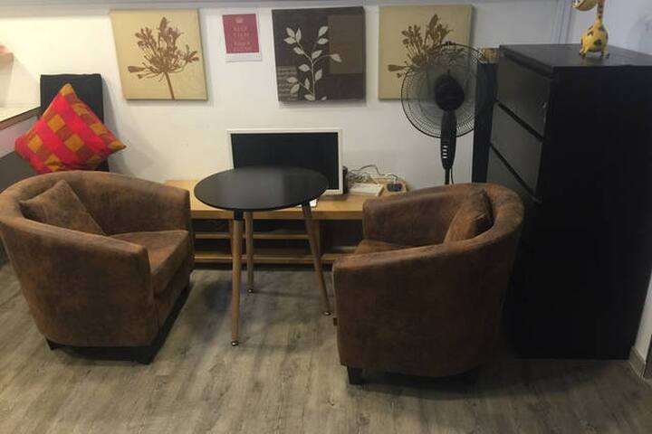 DesignWithDavid: One Armchair Only - Singapore - Appartamento