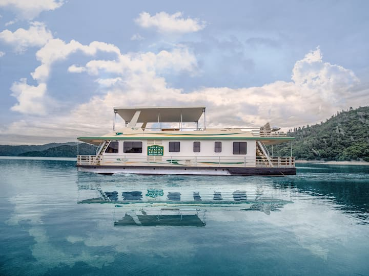 Shasta Marina at Packers Bay Mirage I Houseboat,