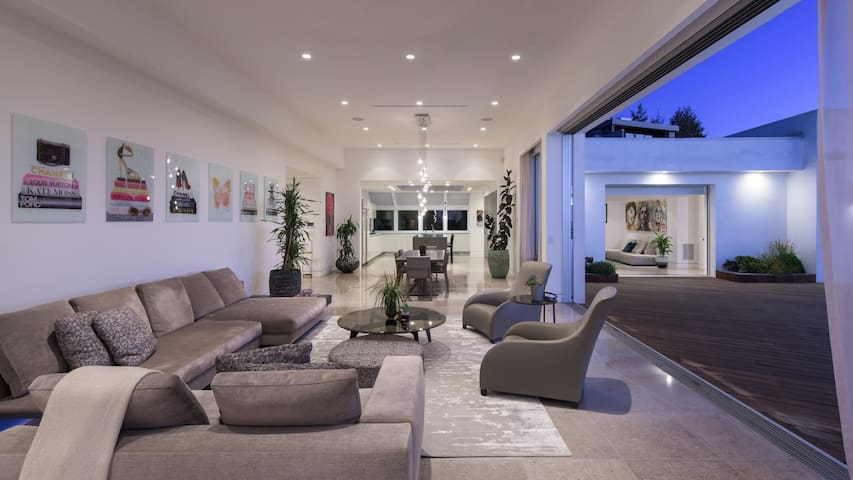 Epic Dream Home, Coldwater Canyon, Beverly Hills