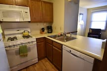 Condo at Unv of Notre Dame, Football weekends, short and long term stays welcome! (D3)