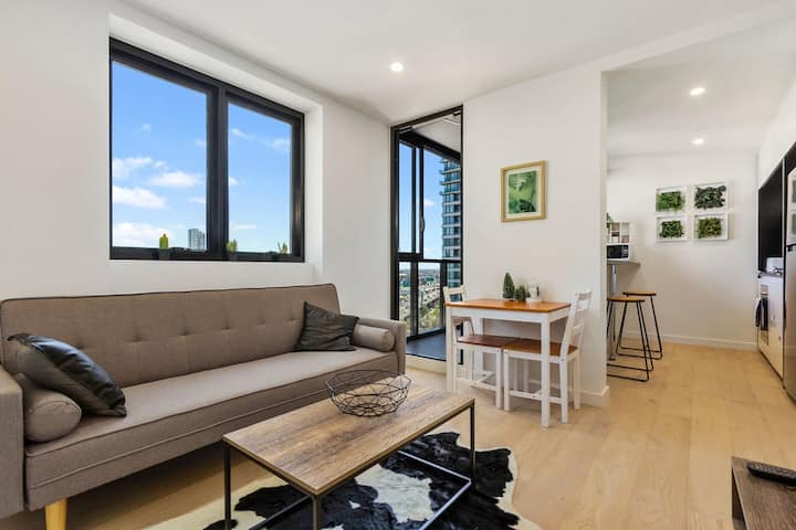 Cosy Southbank apt with great view
