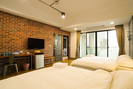 GOODDAY HOSTEL / 好天旅店四人房 / Room D - Magong City - House