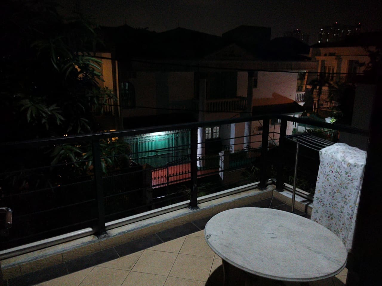 Balcony (smoking area)