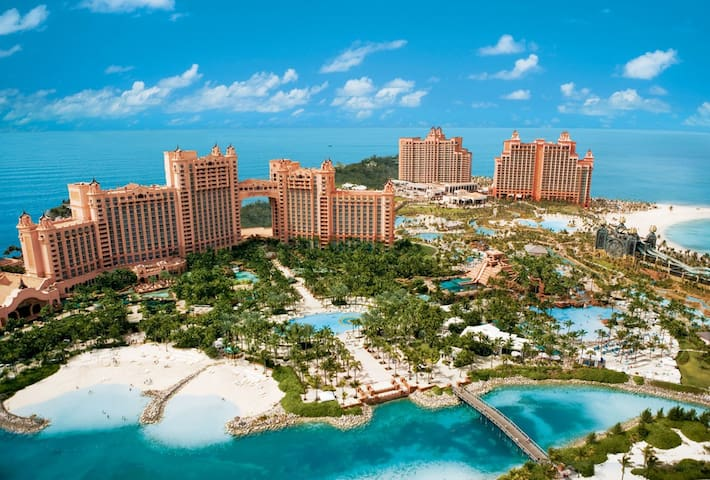 Harborside at Atlantis Resort, Bahamas (Nassau)